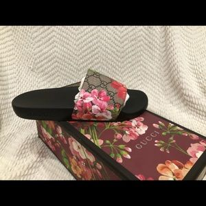 GUCCI - GG Blooms Supreme Slide Sandals